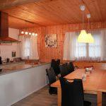 Chalet-Amatavita Innenansicht Essbereich Küche